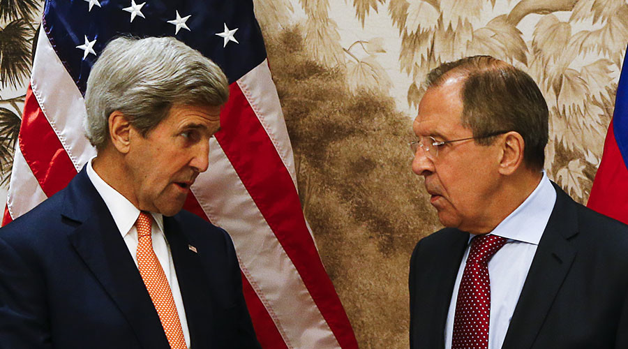 U.S. Secretary of State John Kerry (L) and Russian Foreign Minister Sergei Lavrov. © Leonhard Foeger