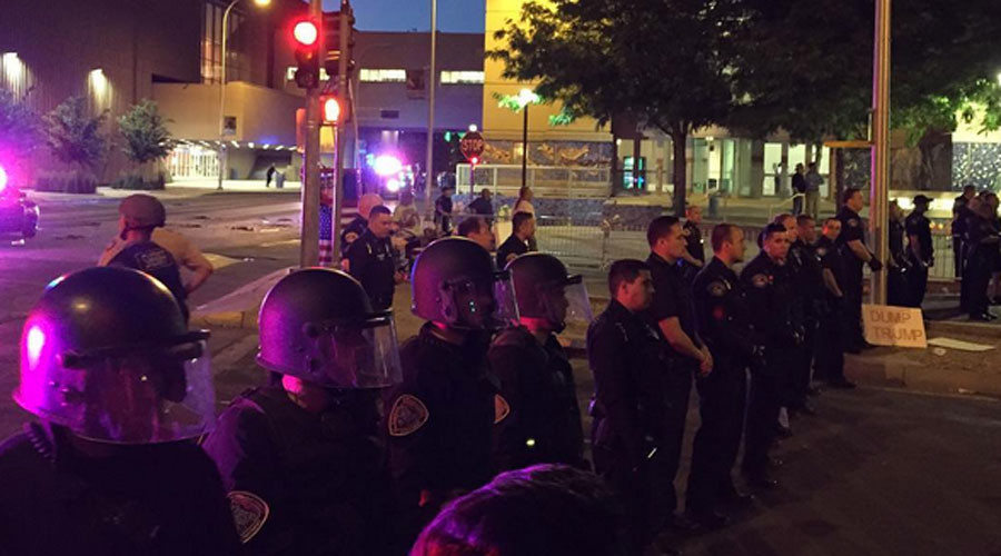 Albuquerque Chaos: Anti-Tump rally explodes in hectic street battles (PHOTOS, VIDEOS)