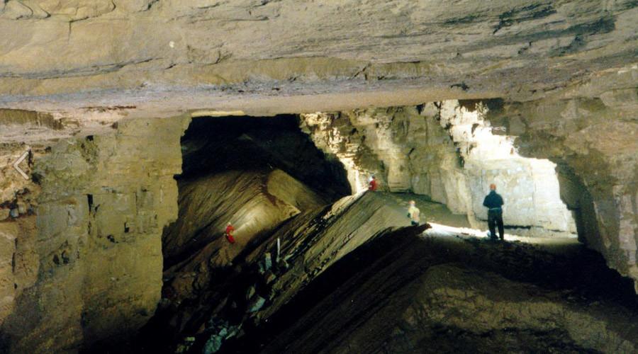 © Hidden River Cave/American Cave Museum