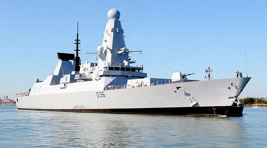 The Royal Navy Type 45 Destroyer, HMS Defender © wikipedia.org