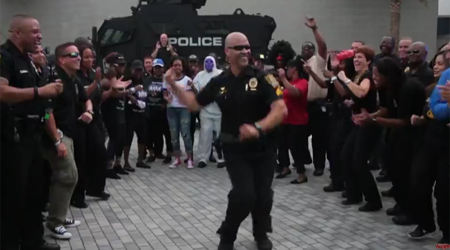 #RunningManChallenge pits US police against each other in dance battles (VIDEO)
