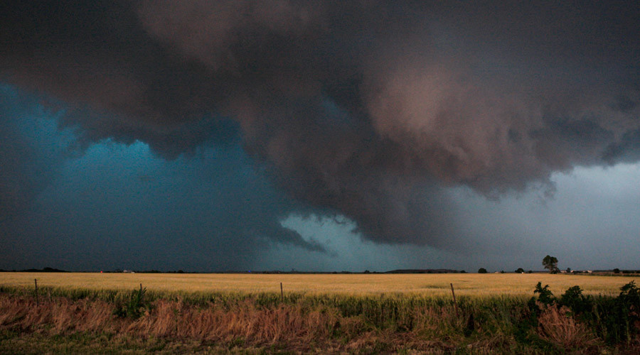 Plains states brace for more bad weather following storms, tornadoes (PHOTOS)