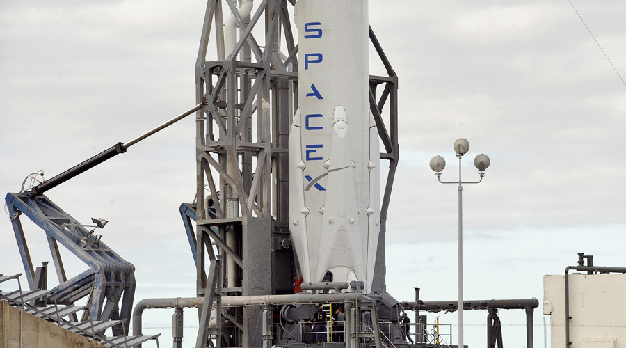 SpaceX attempts new Falcon 9 launch, sea-based landing after 'glitch' delayed start