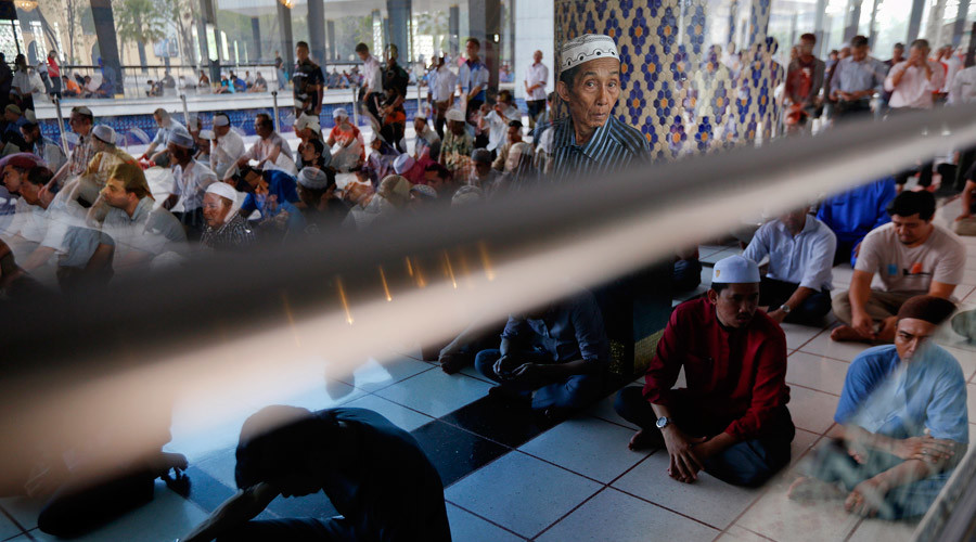 Amputations & stoning: Malaysia govt backs Islamic penal law