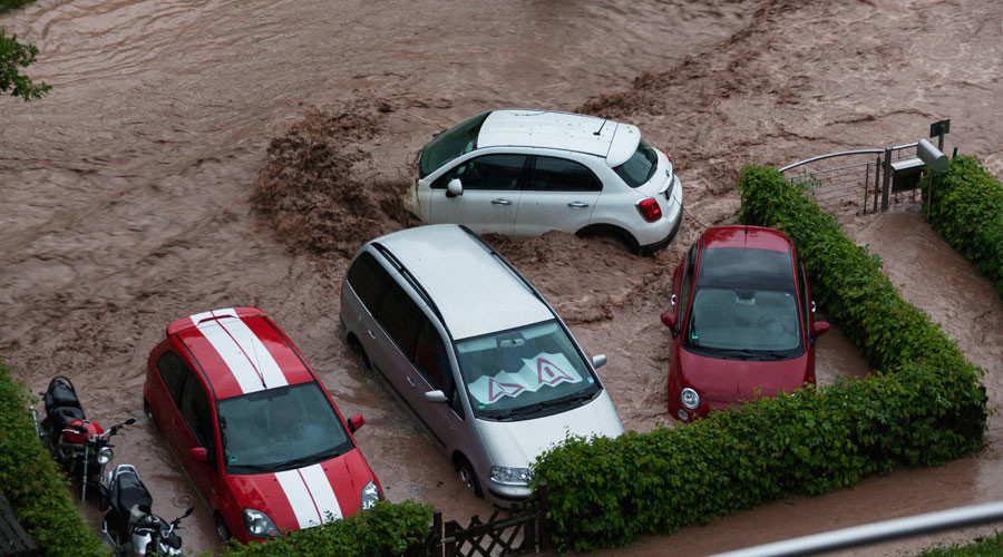 Cars are seen in a flooded street in Schwäbisch Gmünd, Baden-Württemberg, southern Germany after heavy rains hit the country on May 29, 2016.  © Jonas Heilgeist