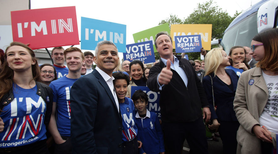 Britain's Prime Minister David Cameron (3rd R) makes a joint appearance with Mayor of London Sadiq Khan (2nd L) as they launch the Britain Stronger in Europe guarantee card at Roehampton University in West London, Britain May 30, 2016. © Yui Mok
