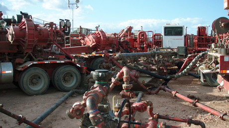 The environmental fallout from a fracking facility like this one run by Halliburton in North Dakota is what Florida communities are trying to avoid. © Wikipedia