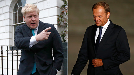 Former London Mayor Boris Johnson (L) and European Council President Donald Tusk  © Reuters