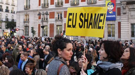 Demonstrators in Madrid rallying against the EU-Turkey migrants deal © Stringer