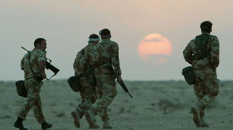 British troops in the Kuwait desert. ©Reuters