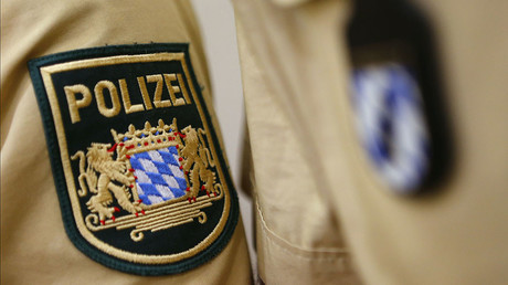 The uniform patch of an officer of the Bavarian Police Force. ©Kai Pfaffenbach