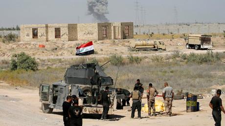 Iraqi security forces gather near Falluja, Iraq, May 31, 2016. © Thaier Al-Sudani