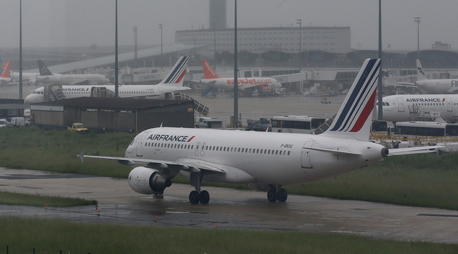Air France unions plan to strike amid Euro 2016 tournament