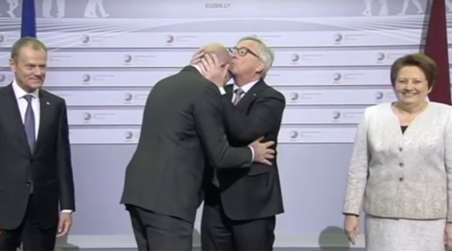 'Drunk' EU chief Juncker face slaps world leaders at summit in resurfaced viral video