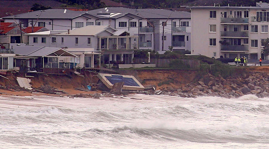 3 dead several missing after devastating storm ravages for Pool show sydney 2016