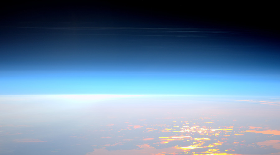 ISS captures 'rare' sighting of noctilucent clouds (PHOTO)