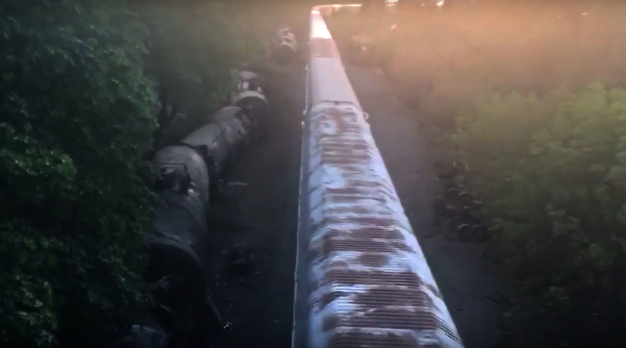 Trains back on track in Oregon 3 days since disaster, angering locals and politicians