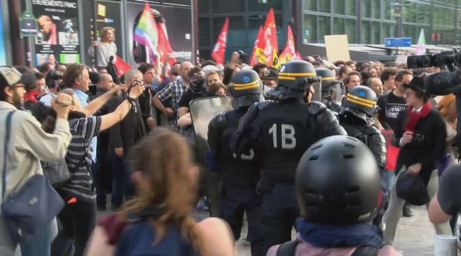 Paris protesters clash with police in new anti-labor law rally (PHOTOS, VIDEOS)