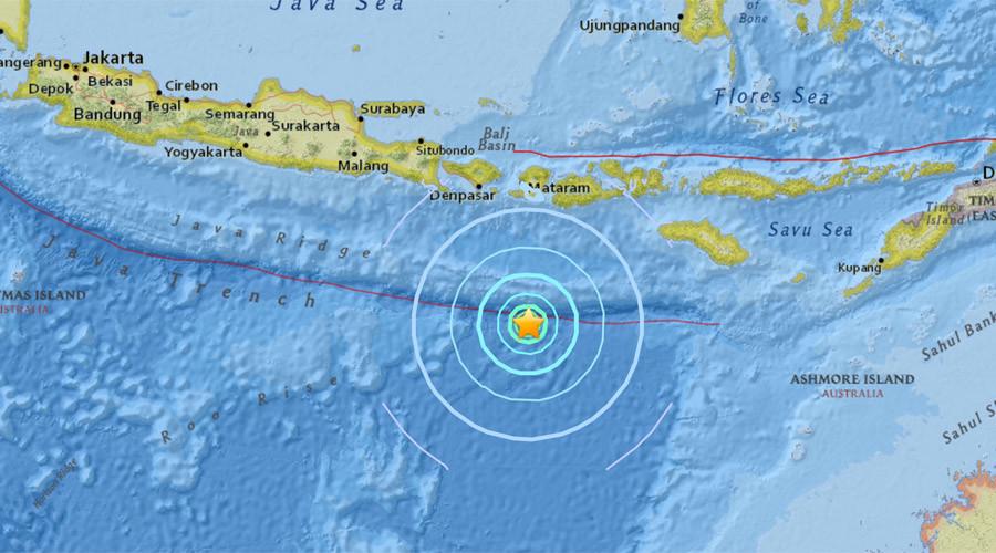 6.2 quake strikes Indonesia off Lombok coast