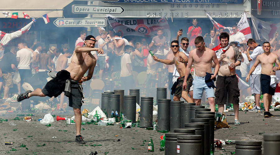 Battle of Marseille: Violent fans hurl missiles, clash with police ahead of Russia-England match