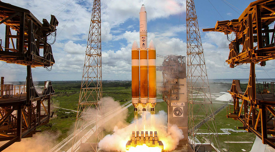 Colossal US rocket loaded with classified snooper satellite cargo shot into space (VIDEO)