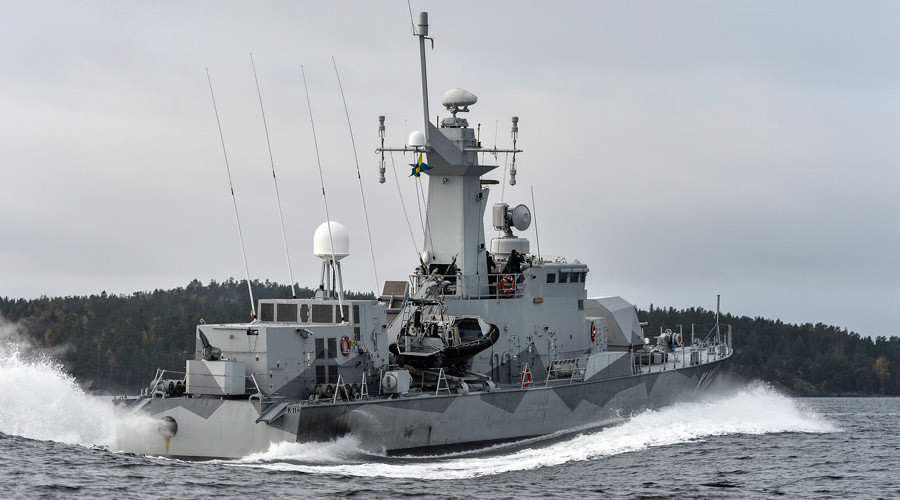 Swedish corvette HMS Stockholm patrols Jungfrufjarden in the Stockholm archipelago © Anders Wiklund