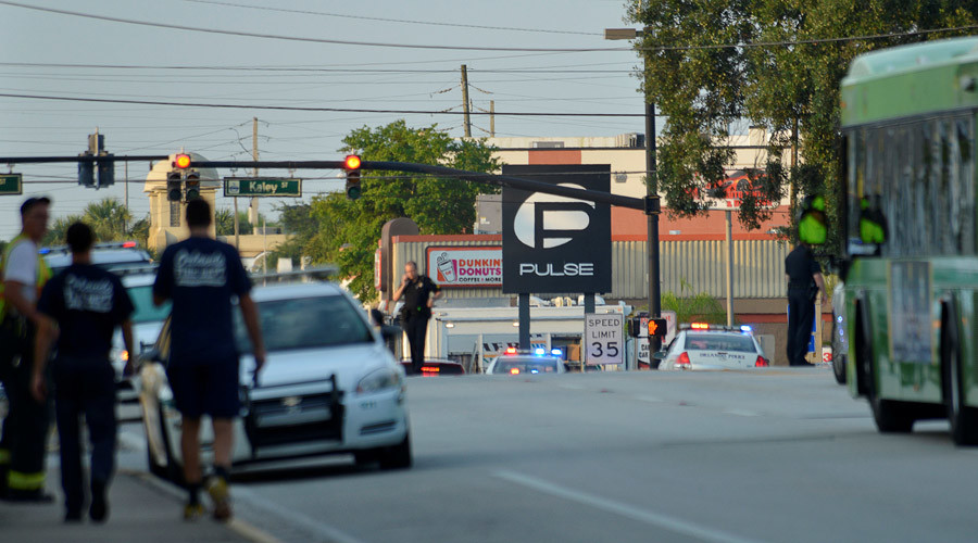 Police lock down Orange Avenue around Pulse nightclub, where people were killed by a gunman in a shooting rampage in Orlando, Florida June 12, 2016. © Kevin Kolczynski