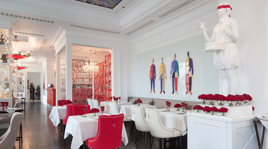 Posh restaurant near Kremlin ditches Visa & MasterCard to prop up Russian payment system