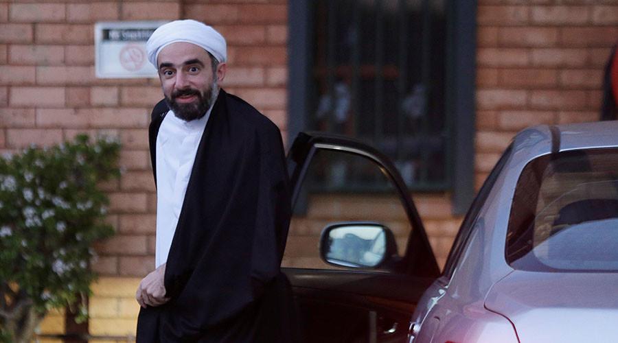 Farrokh Sekaleshfar, a British-born doctor and senior Shi'ite Muslim scholar, arrives at the Imam Husain Islamic Centre in Sydney, Australia, June 14, 2016. ©Jason Reed