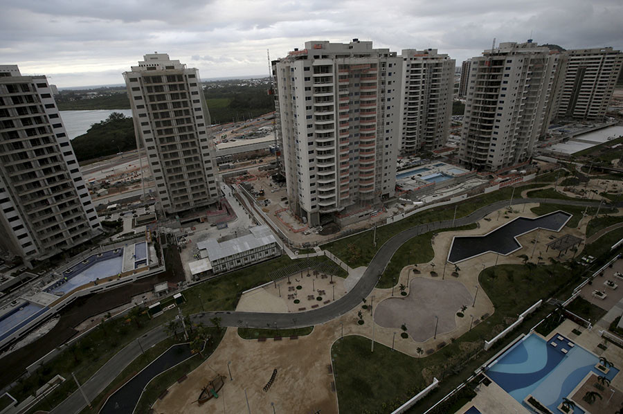 Buildings under construction are pictured at the Rio 2016 Olympic Games athletes village in Rio de Janeiro, Brazil July 21, 2015. ©Ricardo Moraes