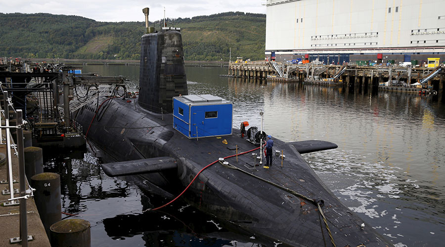 A nuclear submarine is seen at the Royal Navy's submarine base at Faslane, Scotland. © Russell Cheyne