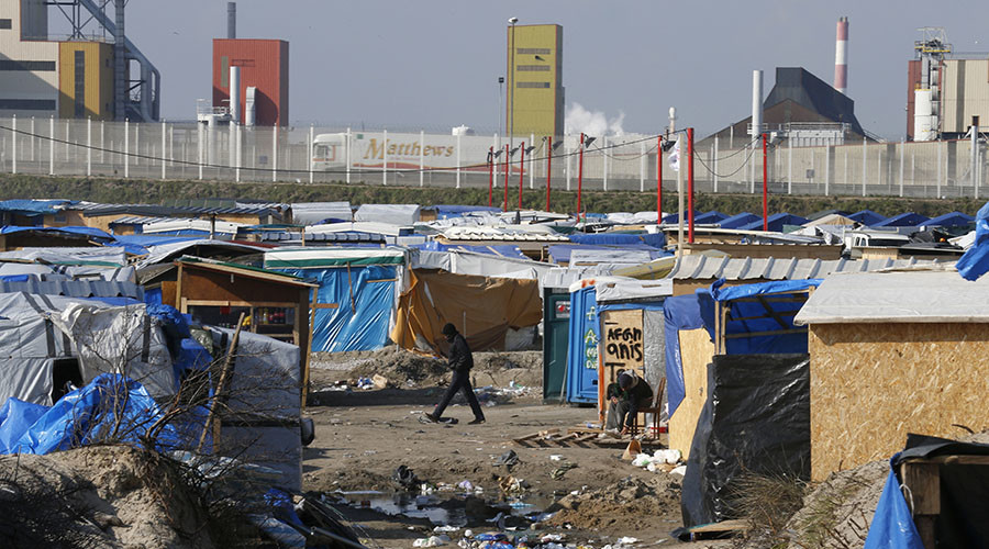 Refugee aid convoy bound for Calais blocked by 'authoritarian' French border authorities