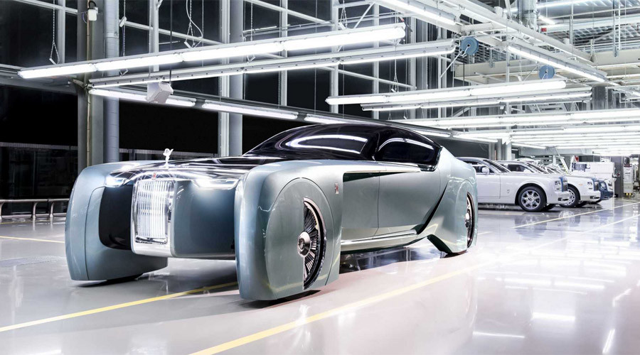 Rolls-Royce self-driving luxury car is a lavish stagecoach for the future rich (VIDEO)