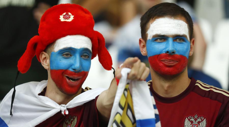 Russia fans before the match. © Kai Pfaffenbach Livepic