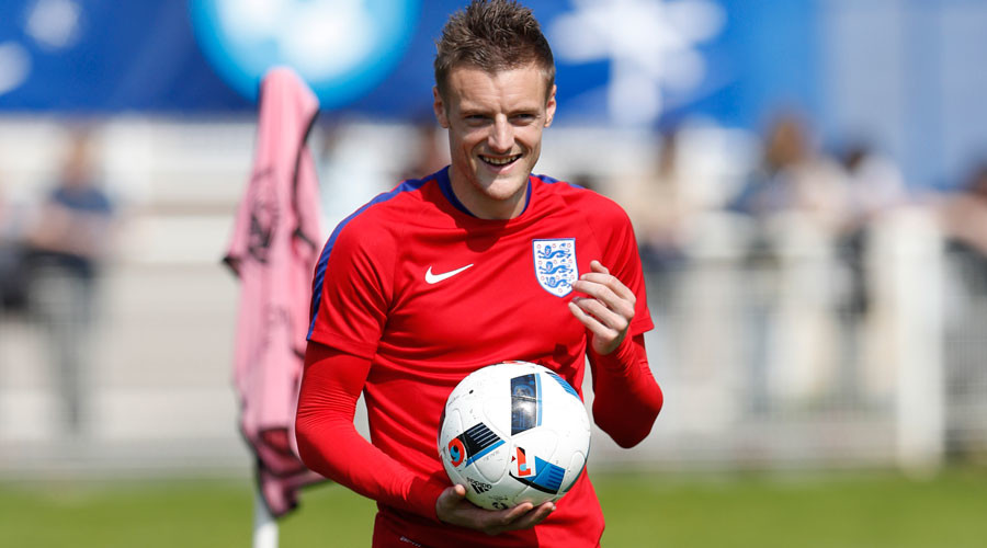 Red Bull, tobacco & no gym work: England striker Jamie Vardy revels in unorthodox regime