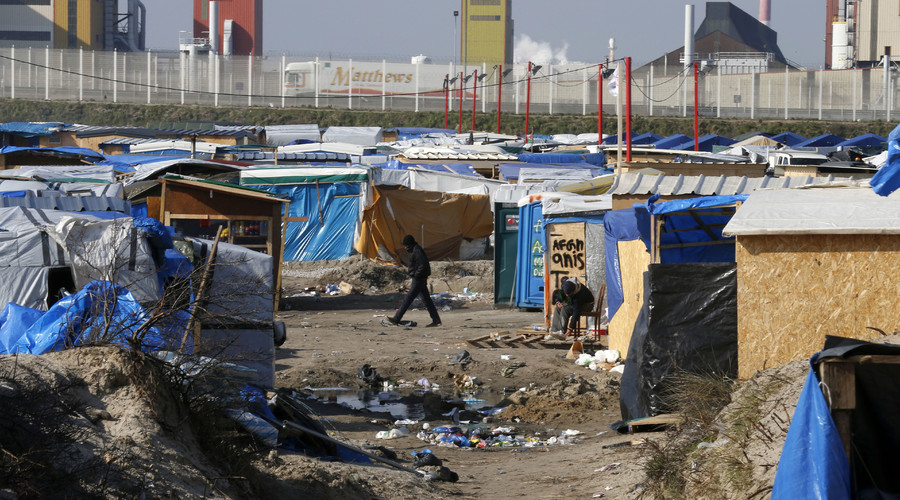 Calais mayor wants French migrant camps moved to UK after Brexit vote