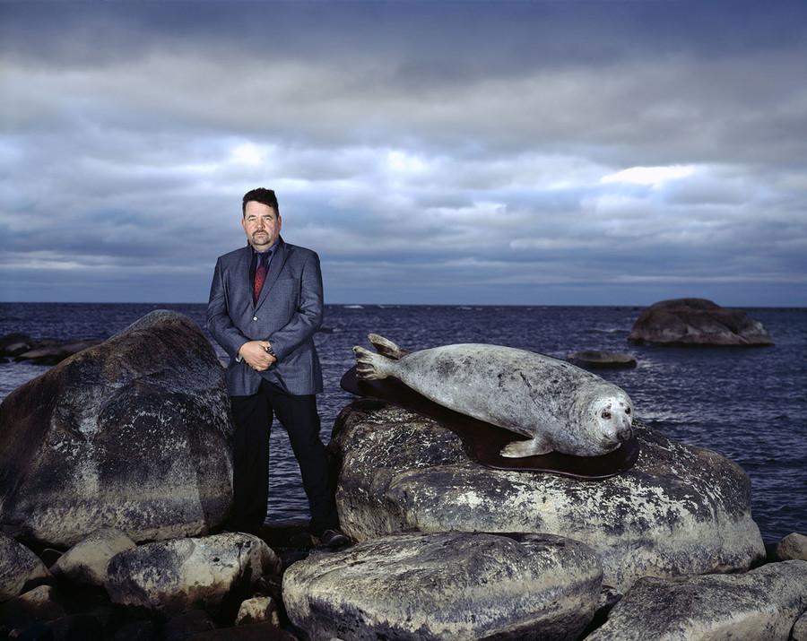 Jouni and a grey seal in Jyväskylä Island, Finland
