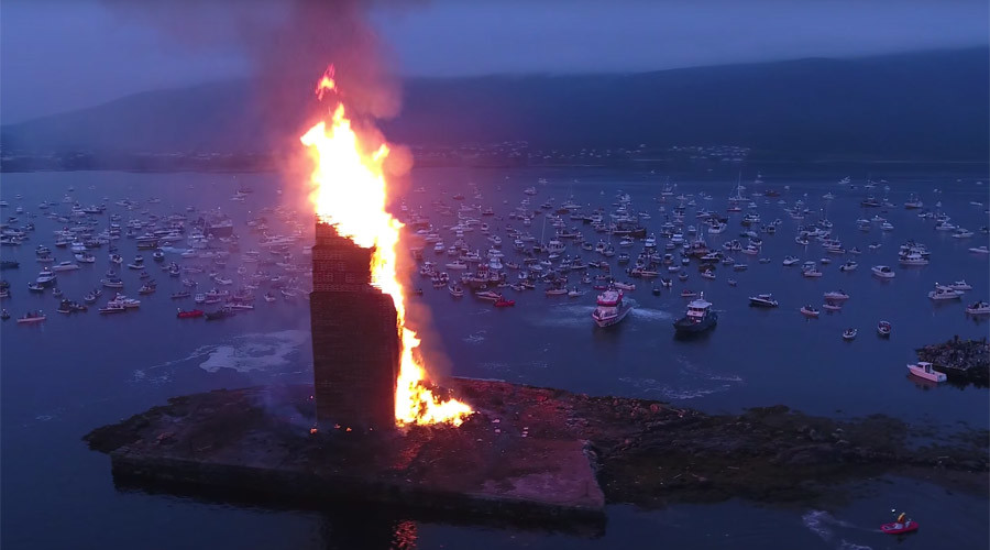 Towering inferno: Norwegians set record for world's biggest bonfire (VIDEOS)