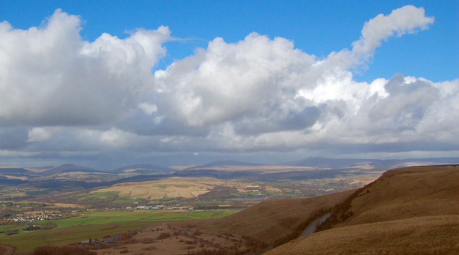 Schoolchildren found after going missing in Brecon Beacons