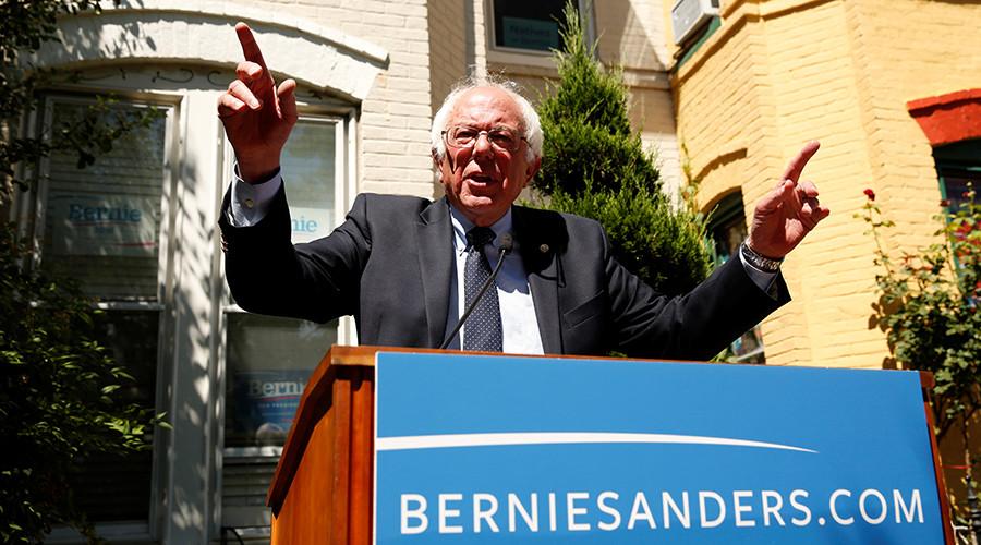 Democratic presidential candidate Bernie Sanders  © Kevin Lamarque