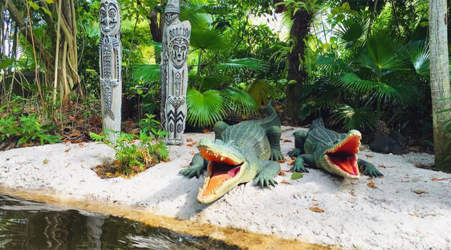Animatronic reptiles have been removed from some of the park's attractions. © pangiehubbard