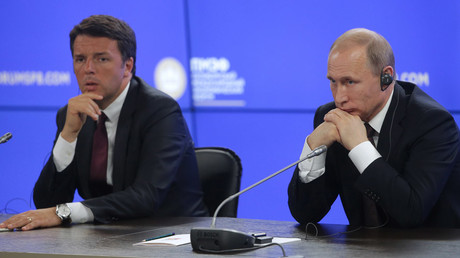 Italy's Prime Minister Matteo Renzi (L) and Russia's President Vladimir Putin at the 2016 St. Petersburg International Economic Forum, St. Petersburg, Russia, June 17, 2016. © Mikhail Metzel / TASS