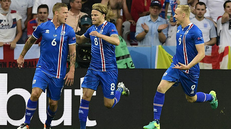 Iceland's players celebrate the team's goal with during Euro 2016 round of 16 match between England and Iceland, June 27, 2016 ©AFP