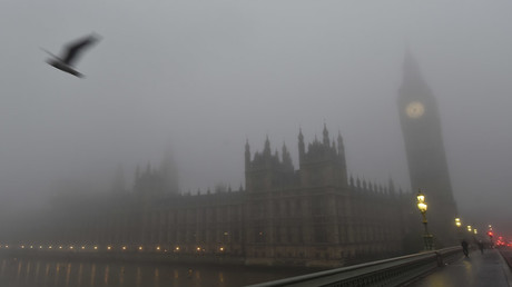 The Houses of Parliament are seen on a misty morning in London © Toby Melville