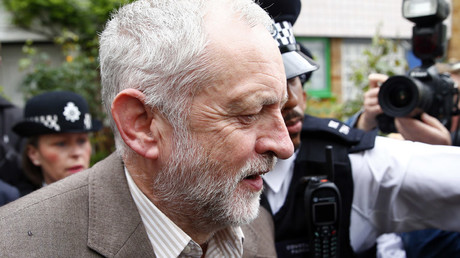 The leader of Britain's opposition Labour party, Jeremy Corbyn, leaves his home in London, Britain June 27, 2016. © Neil Hall