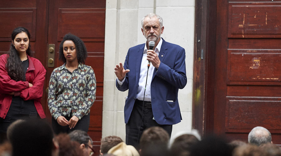 Leader of the opposition Labour Party, Jeremy Corbyn delivers a speech to supporters at the School of Oriental and African Studies (SOAS) in central London on June 29, 2016. © Niklas Hallen