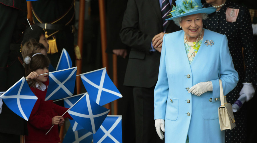 Queen calls for calm but never mentions Brexit in opening Scottish Parliamentary session
