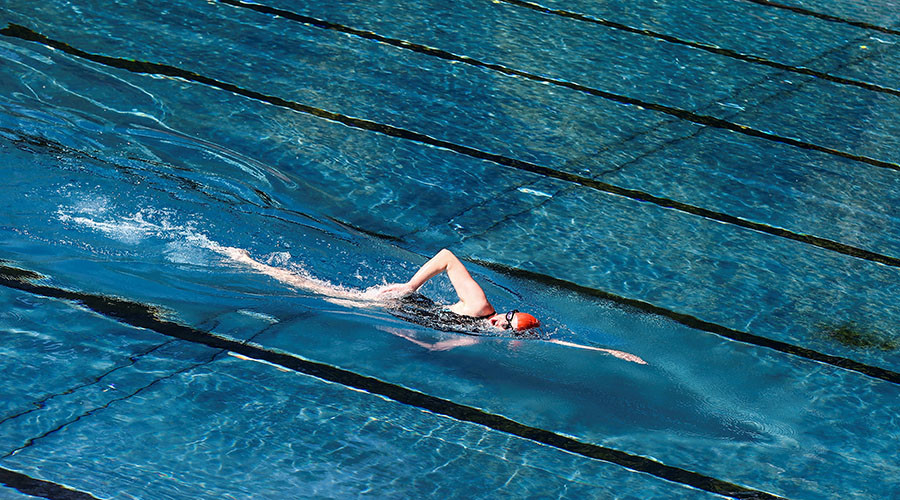 13yo invented sex attack story about 'dark-skinned' man in Austrian pool - police