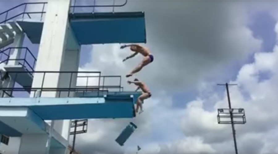 Board collapses during Olympic training for synchronized diving (VIDEO)