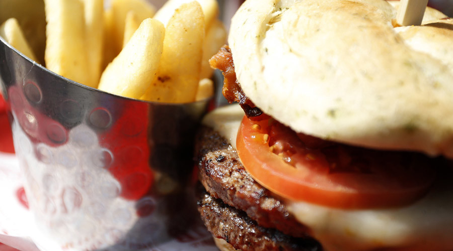 Indian state imposes 'fat tax' on burgers, pizza, other fast food